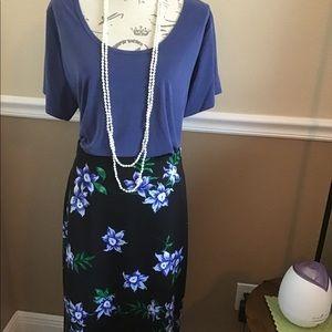 2XL LuLaRoe Classic T/ Worthington Floral Skirt